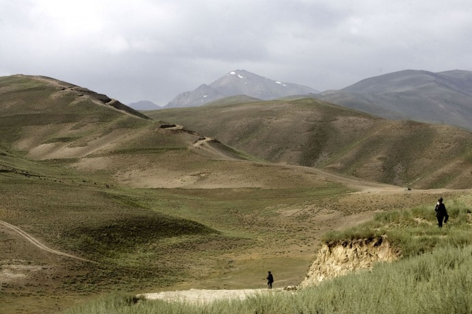 On the road from Kabul to Bamyan - © Giulio Napolitano