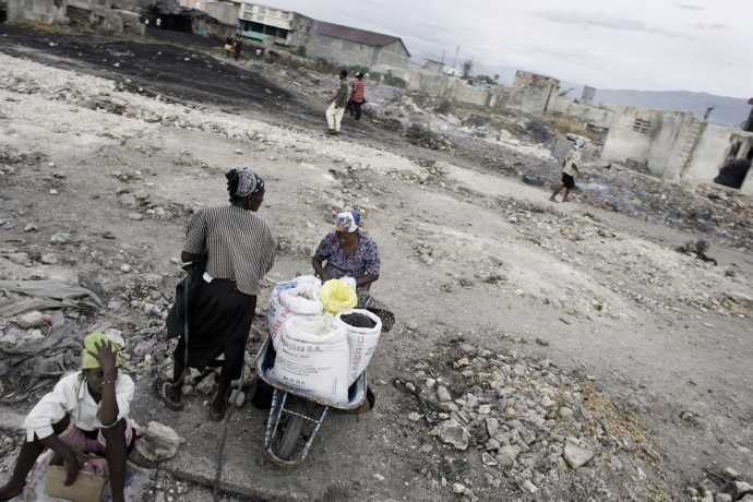 July 2008, the situation is still hard for Haitians, Citè Soleil, Port-au-Prince  - © Giulio Napolitano