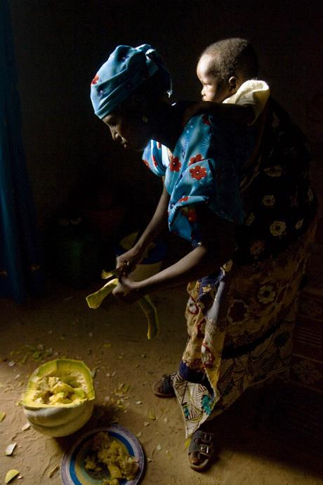 Rabi Issia, 28 years old, farmer, Kirari, Niger - © Giulio Napolitano