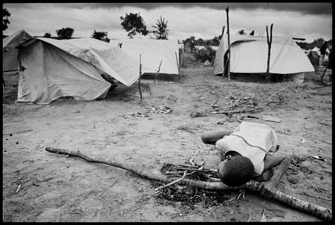 Muatchimbo, Moxico Region, Internally Displaced People Camp - © Giulio Napolitano